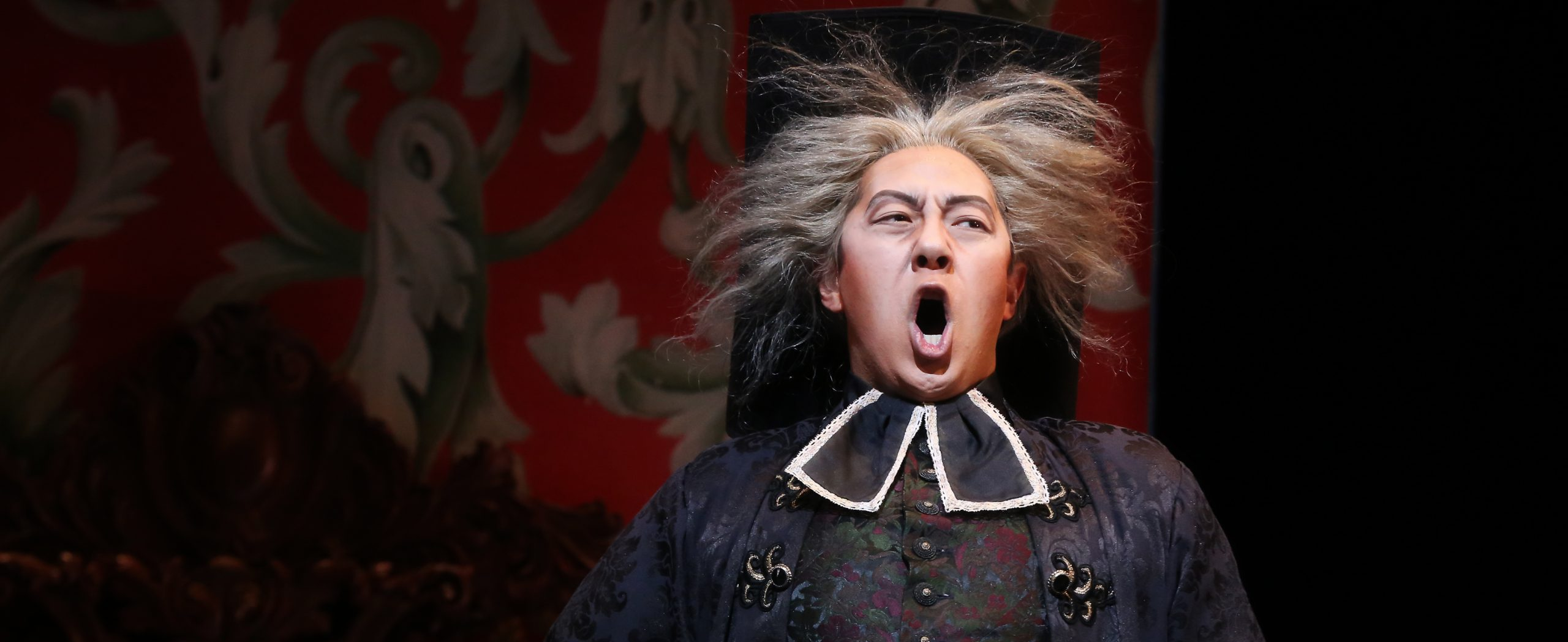 Singing man from The Barber of Seville